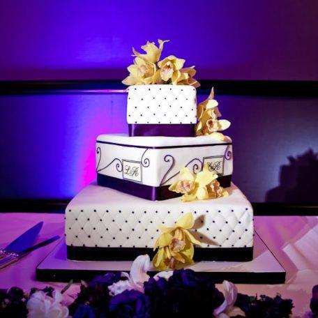 wedding cake pin spotting
